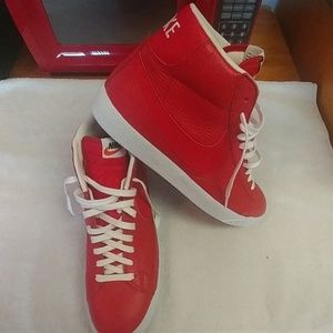 Nike Shoes - Men's Size 10 Nike high top leathers brand new